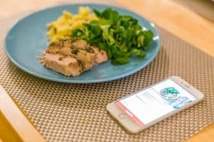 Review of the Top 3 Food & Drink Mobile Apps in Singapore